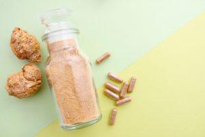 maca powder and capsule