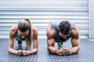 fit couple planking