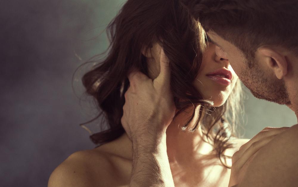 intimate kisses